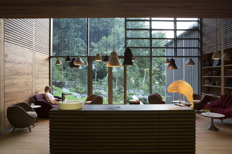 Seehotel Wilerbad Spa Lounge mit Wald